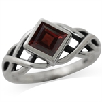 1.37ct. Natural Garnet 925 Sterling Silver Celtic Knot Solitaire Ring
